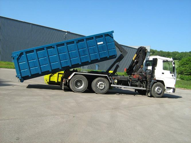 Experienced Heavy Rigid Recycling Truck Compactor Driver