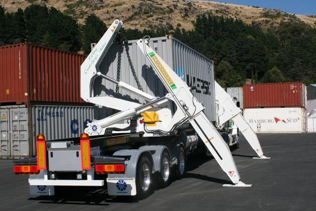 HC or MC Truck Drivers | Container Work   $30.72 (day) - $39.93 (night)