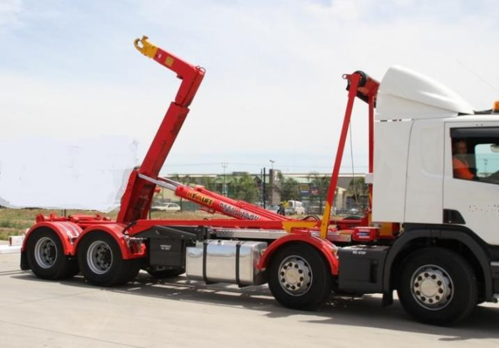 HR HOOK LIFT DRIVER NEEDED 10 AM START