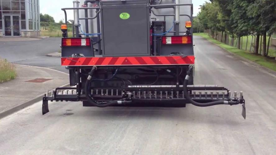 Bitumen Sprayer Driver