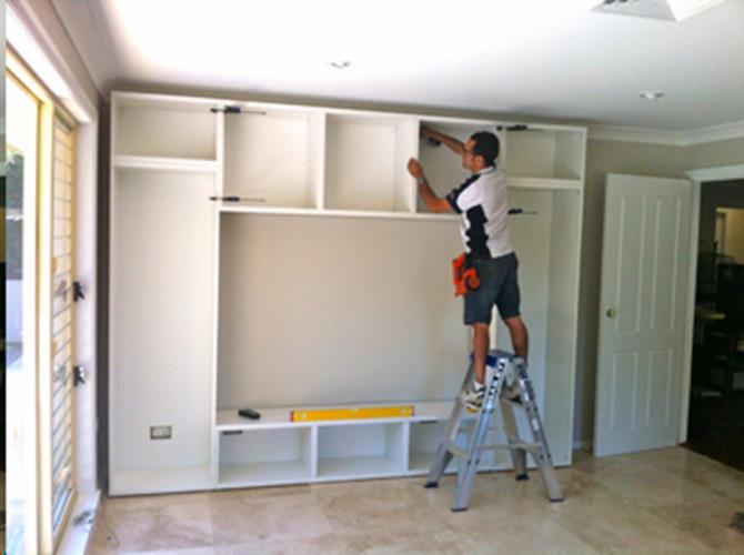 Cabinet Maker/Carpenter/Wardrobe Installer