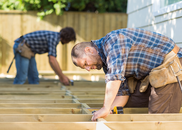 EXPERIENCED CARPENTERS/JOINERS NEEDED
