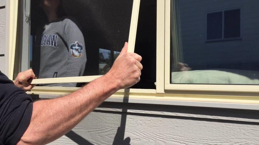 FLY SCREEN FABRICATOR