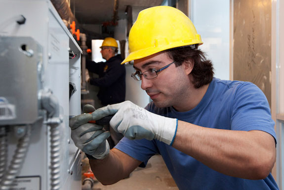 Electrician apprenticeship UNDER THE AGE OF 21